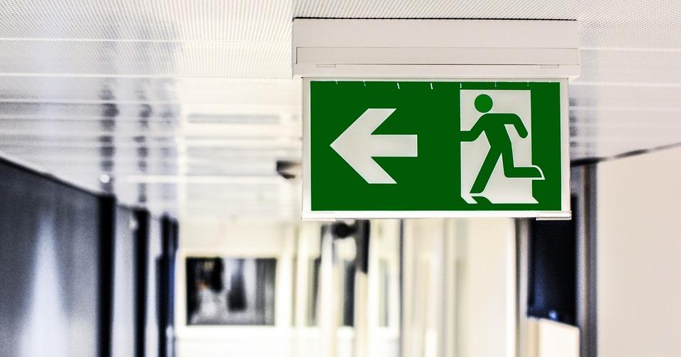 休業要請から除外された治療院はどうするべきか?3つの視点・メリット&デメリットを考える。